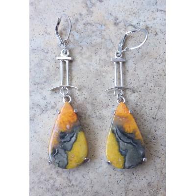 Bumblebee Japer dangling earrings