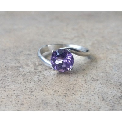 Amethyst/Genuine Amethyst 8mm/February Birthstone/6th Anniversary curved band ring in Sterling Silver or Gold