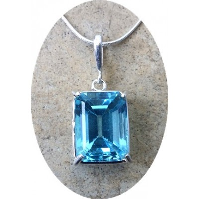 16 carats Blue Topaz Pendant