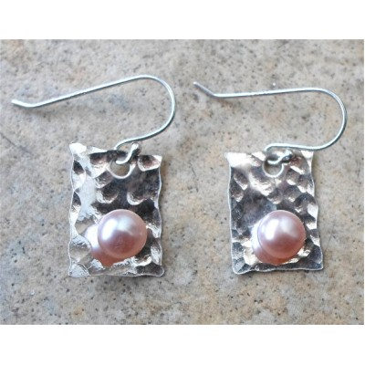 Hammered Silver and Pearl earring
